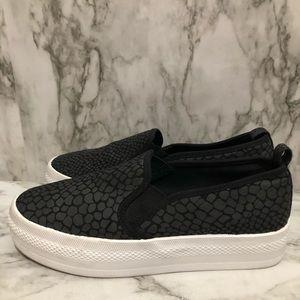 H&M snakeskin black slip ons